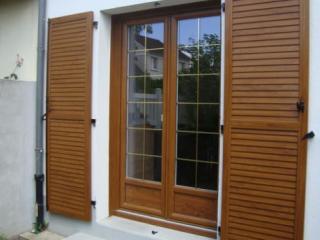 Menuiserie fenêtre PVC Profialis performance technal double vitrage gaz argon ciciarelli alu caissargues nimes gard crédit d'impots rénovation neuf oscillobattant double vitrage 114